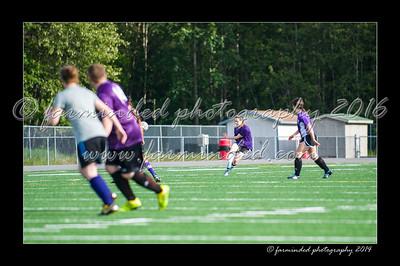 DSC_4410-12x18-06_2014-Soccer-W