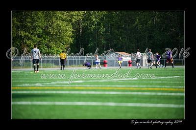DSC_4464-12x18-06_2014-Soccer-W