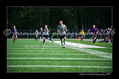 DSC_4489-12x18-06_2014-Soccer-W