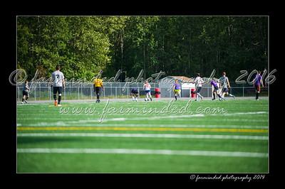 DSC_4465-12x18-06_2014-Soccer-W