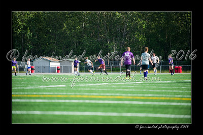 DSC_4460-12x18-06_2014-Soccer-W