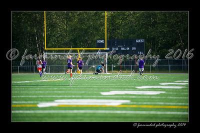 DSC_4423-12x18-06_2014-Soccer-W