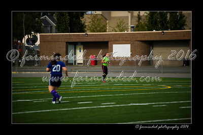 DSC_6393-12x18-06_2014-Soccer-W