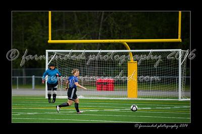 DSC_6267-12x18-06_2014-Soccer-W