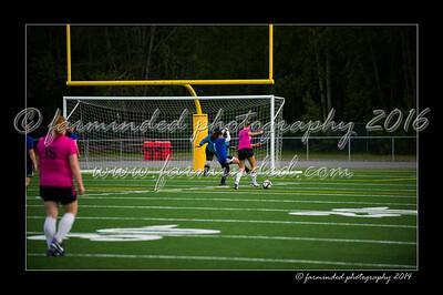 DSC_6427-12x18-06_2014-Soccer-W