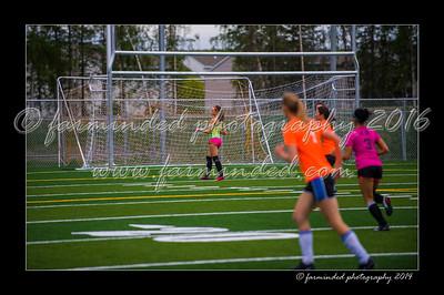 DSC_5504-12x18-06_2014-Soccer-W