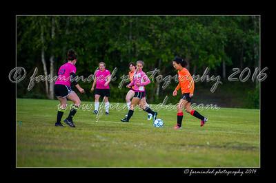 DSC_2440-12x18-06_2014-Soccer-W