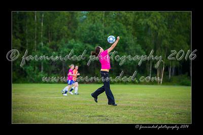 DSC_2455-12x18-06_2014-Soccer-W