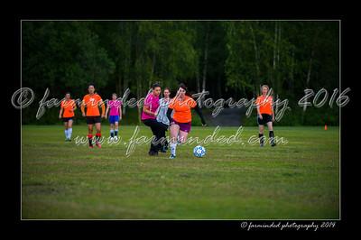 DSC_2403-12x18-06_2014-Soccer-W