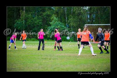 DSC_2418-12x18-06_2014-Soccer-W