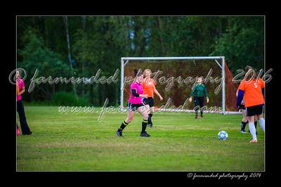 DSC_2420-12x18-06_2014-Soccer-W
