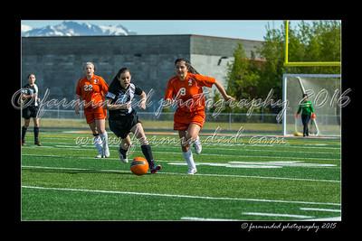 DS7_6051-12x18-05_2015-Soccer-HS-W