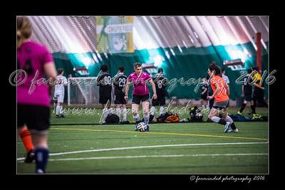 D75_3635-12x18-02_2016-Soccer-W