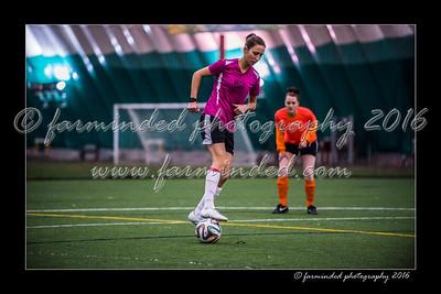 D75_3570-12x18-02_2016-Soccer-W