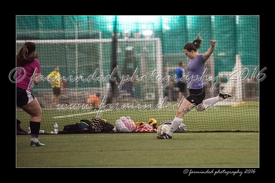 D75_8657-12x18-03_2016-Soccer-W