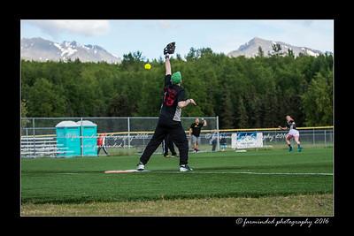 DS5_9006-12x18-05_2016-Softball-W