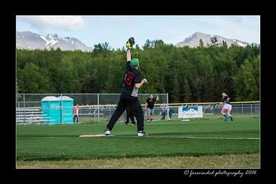 DS5_9005-12x18-05_2016-Softball-W