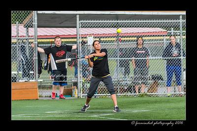 DS5_8860-12x18-05_2016-Softball-W