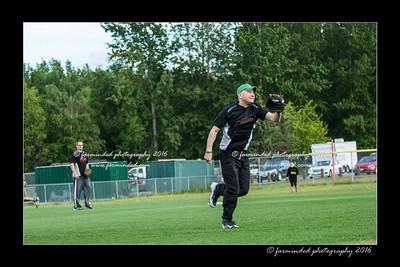 DS5_8958-12x18-05_2016-Softball-W