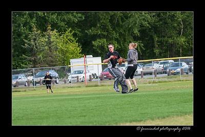 DS5_8931-12x18-05_2016-Softball-W