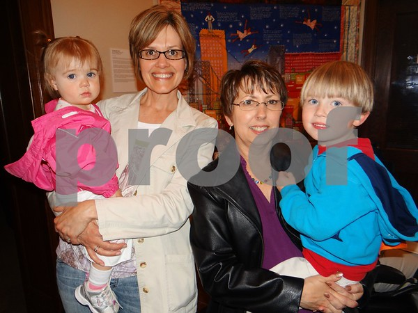 Ainsley Grimm (Granddaughter), Janelle McCubbin, Rae Lynn, and Erik Larson (son)