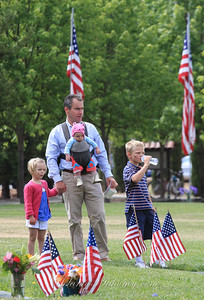 Arriving to watch the Memorial Day events are Beatrice, Antonia and Nico Taormino with their dad, Jason.