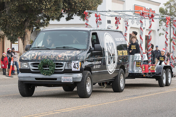2015_GB_Christmas_Parade_20151205-2050