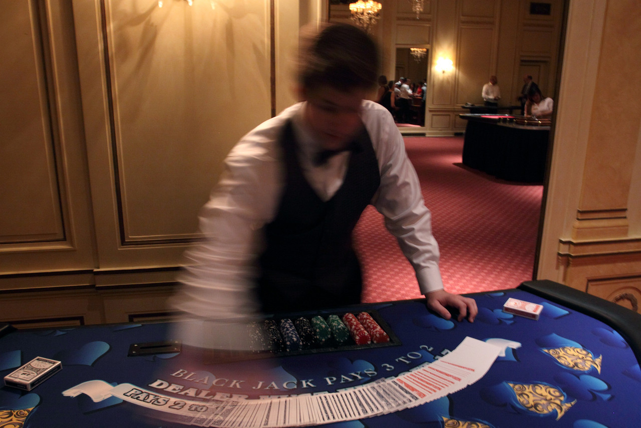 http://www.vksphoto.com/Events/Southwestern-Casino-Night/i-7LP2jTH/1/X2/IMG7787-X2.jpg