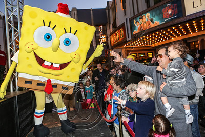 LOS ANGELES, CA - NOVEMBER 18:  A general view of the atmosphere at the 'Spongebob Holiday Extravapants!' stage show at The Grove on November 18, 2012 in Los Angeles, California.  (Photo by Chelsea Lauren/WireImage)