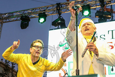 LOS ANGELES, CA - NOVEMBER 18:  Actor Tom Kenny (L) performs in the 'Spongebob Holiday Extravapants!' stage show at The Grove on November 18, 2012 in Los Angeles, California.  (Photo by Chelsea Lauren/WireImage)