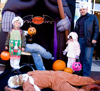 """Spooktacular Trick or Treating"" with AQUA Salon, Downtown Royal Oak, Michigan"