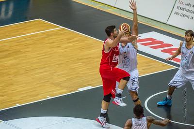 rent4office Nürnberg gegen s.Oliver Baskets Würzburg 75:81 (40:38)