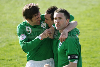 Stephen Ireland is congratulated by Kevin Kilbane and Robbie Keane after scoring the Republic of Ireland's first goal at Croke Park (March 2007)