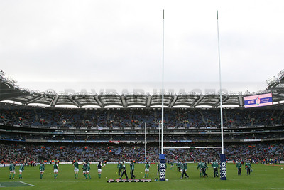 The Irish rugby team warm up for the first Irish rugby international at Croke Park (February 2007)