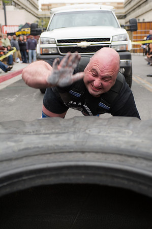 Worlds Strongest Man - Truck Pull