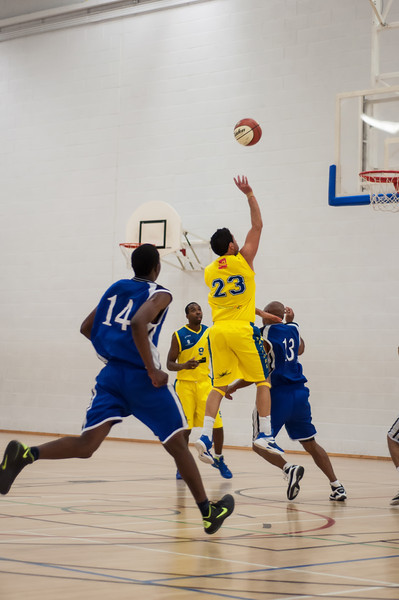 Rossendale-Raptors-vs-City-of-Sheffield-Saints-EBL-National-League-Div-3-Oct-6th-2012-38