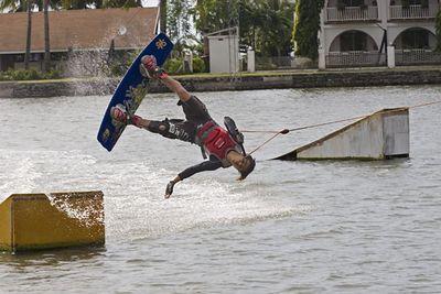 Lago de Oro-Filipino pros