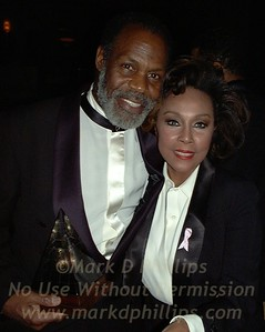 DannyGlover and DiahannCarroll with AAIUH Leadership awards at Sportsball2001 at the Waldorf Astoria in NYC