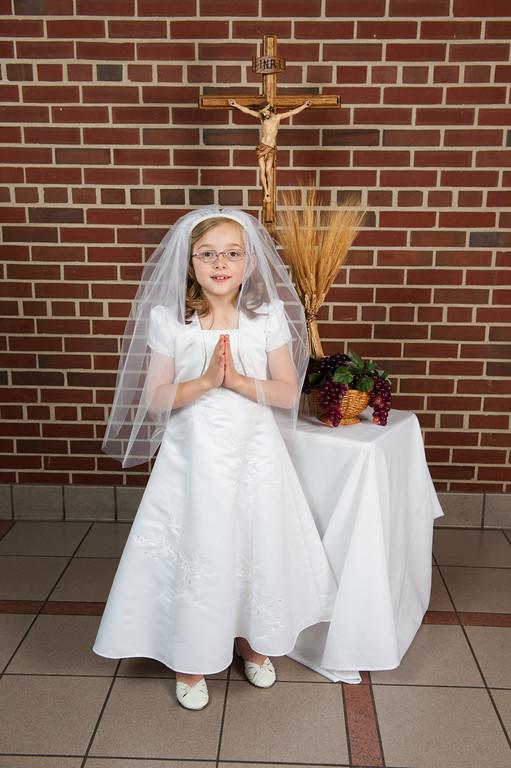 St  Barnabas 1st Communion 2013-194