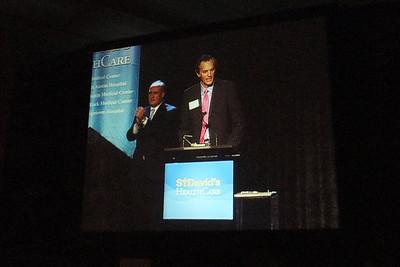 SDMC CEO David Huffstutler (fg) and HCA CEO John Foster (bg)