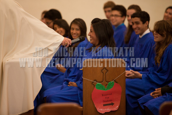 StLukeGradMass-20100611-053