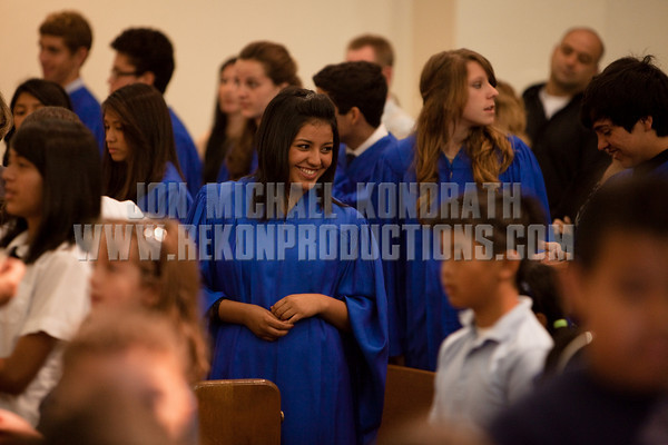 StLukeGradMass-20100611-153