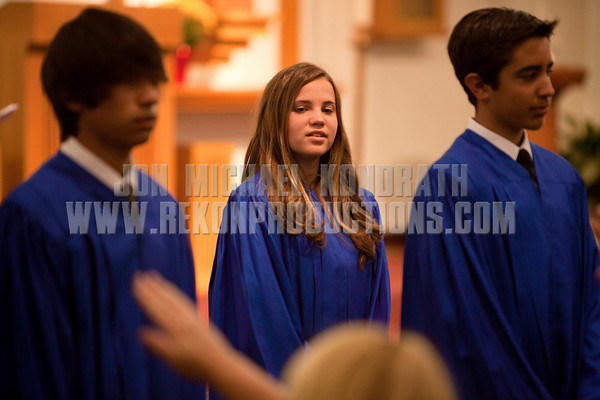 StLukeGradMass-20100611-168