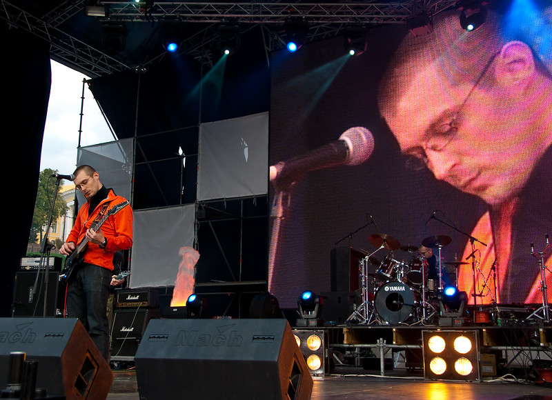 Sergey Grigorovich singing on Stalker Fest 2009
