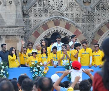 Tina Ambani, Harmony with other celebrities. Standard Chartered Mumbai Marathon 2010. Mumbai, India. January 17, 2010.