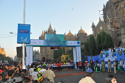 Start of the race. Standard Chartered Mumbai Marathon 2010. Mumbai, India. January 17, 2010.