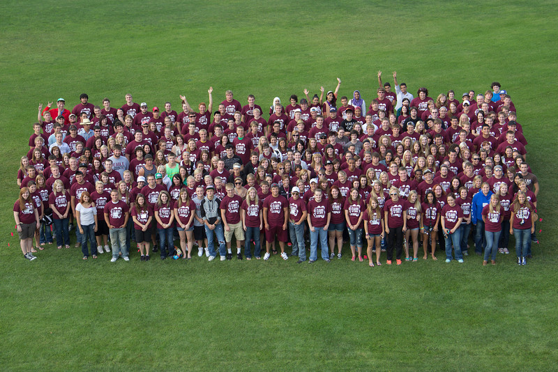 New students of Chadron State College gather for a class photo at Elliott Field on Thursday, Aug. 16. (Photo by Justin Haag)