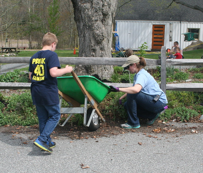 On April 29, 750 volunteers joined Mass Audubon for a morning of spring cleaning at 16 wildlife sanctuaries across the state.