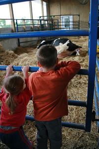 100605 Breakfast on the Farm Mill Creek Dairy 031