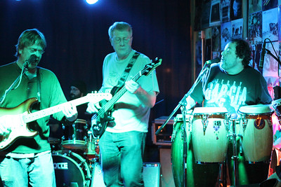 Sticky Greens band getting down with Roby  copyrt 2014 m burgess